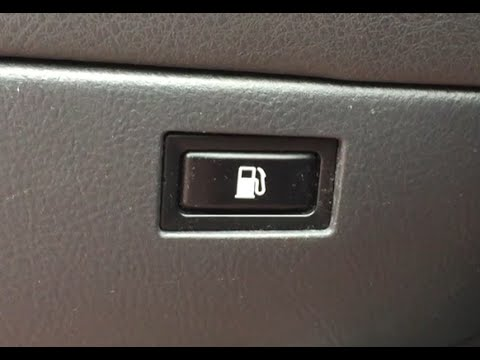 Открыть лючок бензобака Тоиота Авенсис - Open the gas tank hatch Toyota Avensis