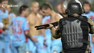 Players fight with armed police - Arsenal v Atletico Mineiro