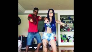 getlinkyoutube.com-MC Tati Zaqui Dançando Deu Onda