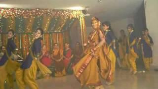 getlinkyoutube.com-immita appi (smita) 's gaye holud performance by HERSELF!!!