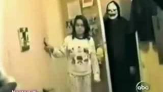 getlinkyoutube.com-funny scary pranks part 2