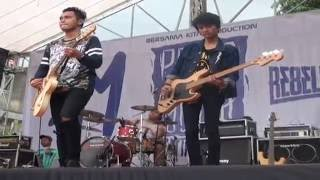 getlinkyoutube.com-Remember of Today Live at Purwokerto HD