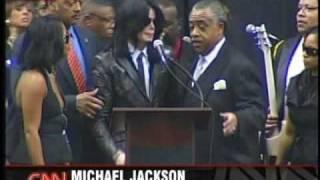 getlinkyoutube.com-Michael Jackson at James Browns Funeral 2006