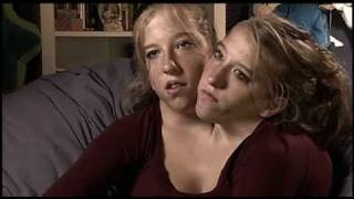 getlinkyoutube.com-Abigail & Brittany Hensel - The Twins Who Share a Body