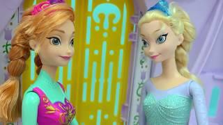 getlinkyoutube.com-Frozen Queen Elsa Takes Bath with Rose Soap & Glow In The Dark Sand Art Dollar Tree Craft