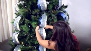 getlinkyoutube.com-Cómo decorar tu árbol de Navidad en 6 sencillos pasos.