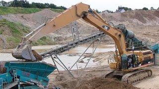getlinkyoutube.com-Cat 365C Long Reach Excavator And Cat 980H Wheelloader Sorting Dirt