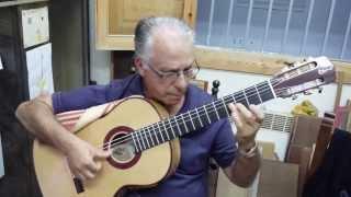 getlinkyoutube.com-20130904 200111 El gran maestro Pepe Romero en mi taller, guitarra Ciprés 2013