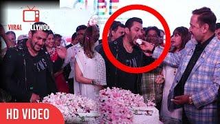 Salman Khan At Mahesh Manjrekar And Medha Manjrekar Wedding Anniversary | Cake Cutting