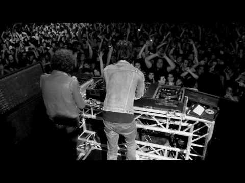 2 Minutes 2 Live de Justice Letra y Video