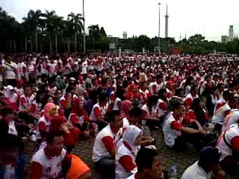 Jalan sehat melia sehat sejahtera di monas 10 maret 2013