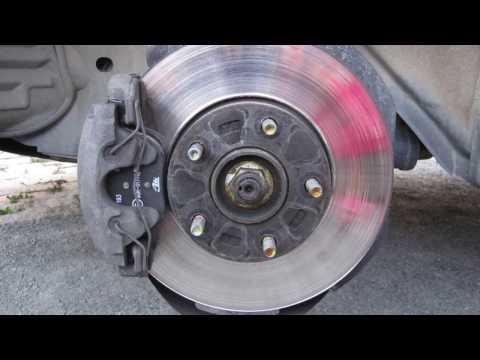 Где у Мазда МХ-3 передние тормозные диски
