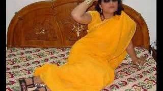 beautiful indian woman in saree width=
