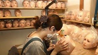 getlinkyoutube.com-Bên trong xưởng chế tạo búp bê tình dục đắt nhất thế giới