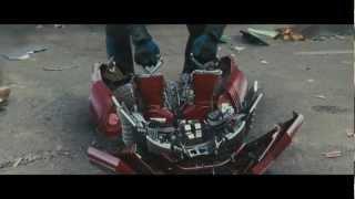 getlinkyoutube.com-Сборка и разборка Железного человека в фильмах