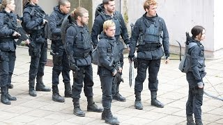 getlinkyoutube.com-The Hunger Games: Mockingjay – Part 1 Movie Review– Just Seen It