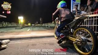 getlinkyoutube.com-VSC 2016 drag bike nite race GEGER Fu 200 cc ABAKURA solo vs POETRA MAHESA jogja