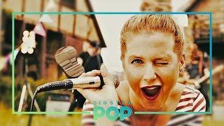 "getlinkyoutube.com-JEANETTE & Ewig ""ES GEHT MIR GUT"" (Official Video) aus dem Kinofilm CONNI & CO"