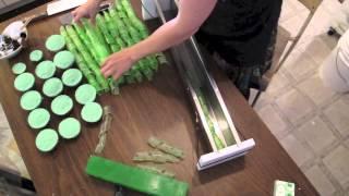 getlinkyoutube.com-Melt & Pour soapmaking demo