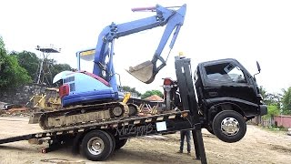 getlinkyoutube.com-Mini Self Loader Truck Toyota Dyna 130HT