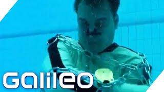 getlinkyoutube.com-Entfesselungschallenge - Schafft Harro es, sich zu befreien? | Galileo | ProSieben