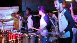 PUNE SHOW {HARSHALA CHE HALDHI LA} SONG PLAYING BY CHINTAMANI MUSICAL GROUP