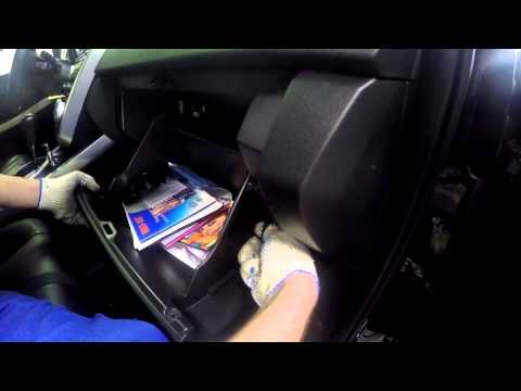 Замена фильтра салона Мазда CX-7 ч.2 Change cabin filter Mazda CX-7