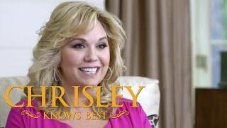 getlinkyoutube.com-Chrisley Knows Best | 'Julie' Behind the Scenes