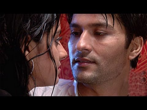 Sooraj Sandhya ROMANCE & RE MARRY in Diya Aur Baati Hum 11th November 2013 FULL EPISODE