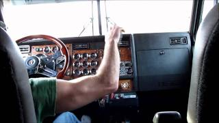 getlinkyoutube.com-Kenworth W900L Shifting and Jakebraking