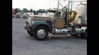 getlinkyoutube.com-B model Mack and Superliner leaving 2010 Transport for Christ truck rally