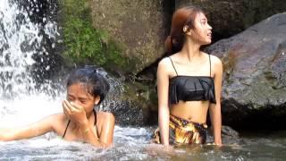 getlinkyoutube.com-4 Sexy Thai Girls in Bikini Adventure to Hin Lad Waterfall น้ำตกหินลาด on Koh Samui, Thailand