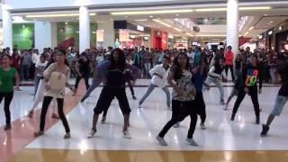 getlinkyoutube.com-Impressions 2012 Flash Mob - R City Official Video