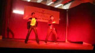 getlinkyoutube.com-Main Khiladi Tu Anari dance @ TAPMI