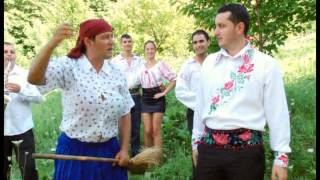 getlinkyoutube.com-Varu Sandel si Nicu Vesa - Soacra si ursu - parodie muzicala
