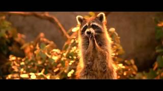 Bear singing 'I will survive' in Dr. Dolittle 2