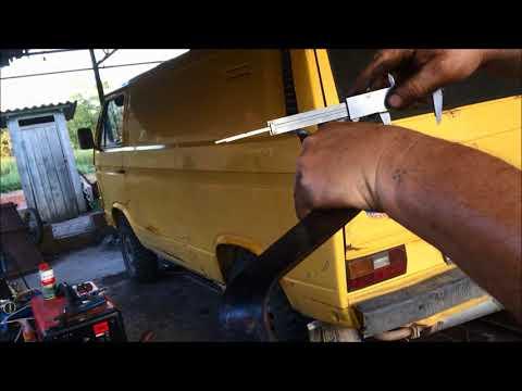 T2. Педаль сцепления автомобиля