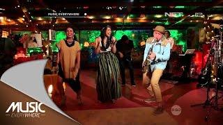 getlinkyoutube.com-Maudy Ayunda - Chandelier (SIA Cover) - Music Everywhere