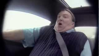 getlinkyoutube.com-El legendario corredor de Nascar Jeff Gordon le hace una broma a un vendedor de autos.