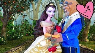getlinkyoutube.com-La Bella y la Bestia - Cuentos en español con muñecas de Disney y Barbie