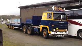 getlinkyoutube.com-Scania 141 kopplar trailer i Veddige V8 power