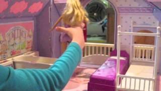 getlinkyoutube.com-Barbie and Ricky- Moving to a New House