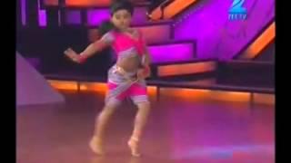 getlinkyoutube.com-baby girl amazing dancing - chikni chameli - shihabmeethal