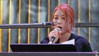 getlinkyoutube.com-151120 와썹(WA$$UP) 지애 버스킹 - turning tables 직캠 by 마녀