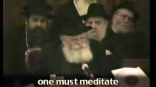 The Rebbe: Davening in a Siddur