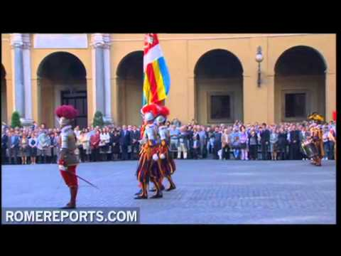 New recruits of Swiss Guard sworn in to defend pope