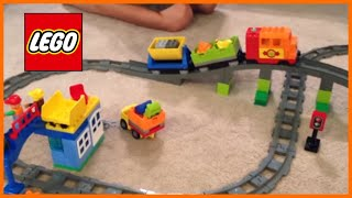 getlinkyoutube.com-LEGO DUPLO 10508 Deluxe Train Set from 2013 - motorized set with bridge - review
