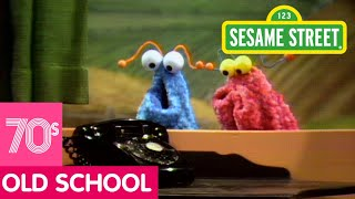 getlinkyoutube.com-Sesame Street: The Martians Discover a Telephone
