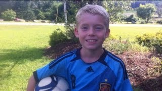 getlinkyoutube.com-Soccer - trick shots by 8 year old (part 2)