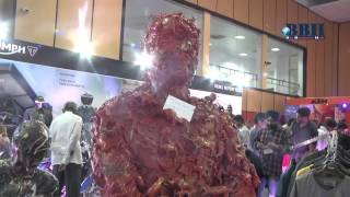 Special Statues in Auto show 2015